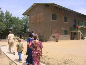 Eines der Gebäude des SIL-Zentrums in NDjaména.
